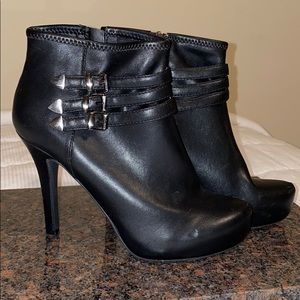 BCBGeneration Fay Booties